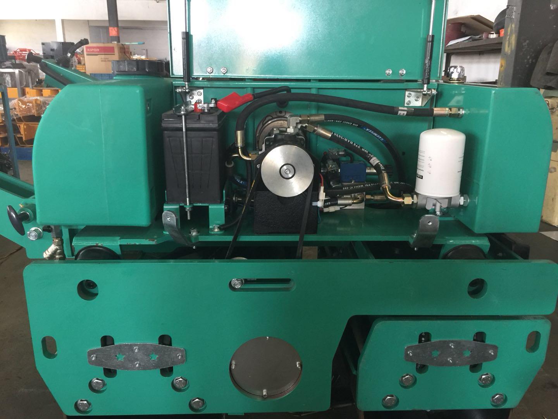 RL-800DZ VIBRATOR ROLLER